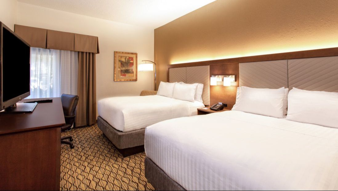 Holiday Inn Express Tampa Brandon double guestroom